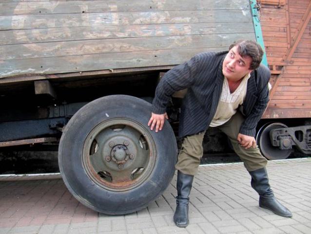 Дмитрий Халаджи, актер